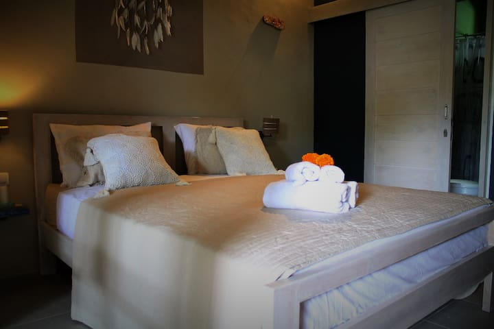 Cahaya Home 5 - Cozy Appartament - Ampenan - Hus