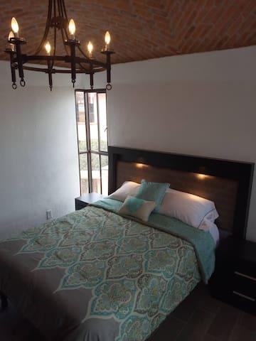 Queen Bed in Master BR, 3rd Floor