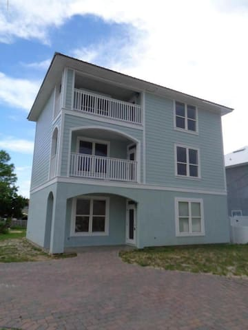 Pet Friendly Beach House--Great Rates