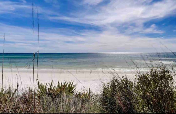 ⭐️30A Beachhouse Retreat 400 yds to water and sand