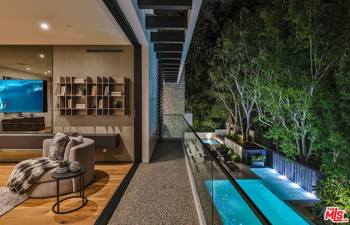 Prestigious Beverly Hills Villa -Sunset Strip View