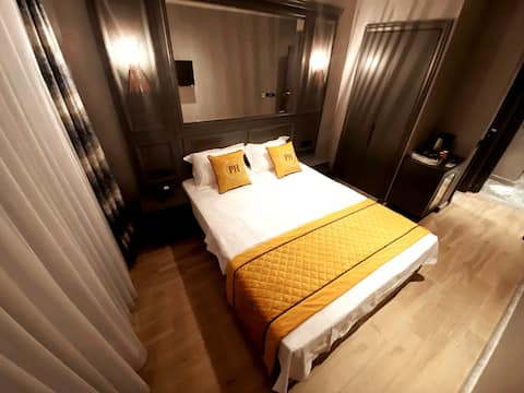 DİSİNFECTED! Pretty Butique hotel with lux room