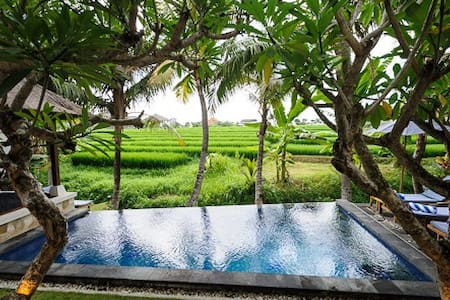 Private Room in 3 Bdrm Villa With Rice Field View - North Kuta - Villa