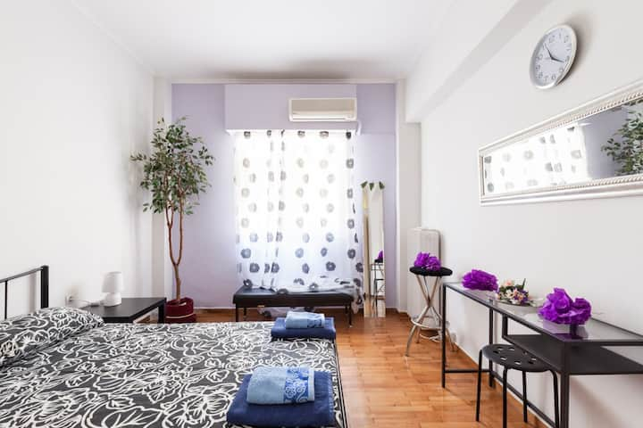 Cozy comfort apartment near center of Athens