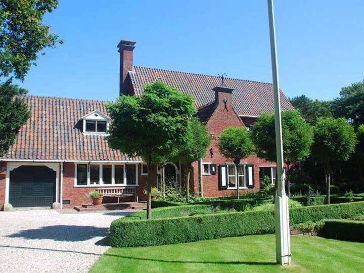Villa Middenblink