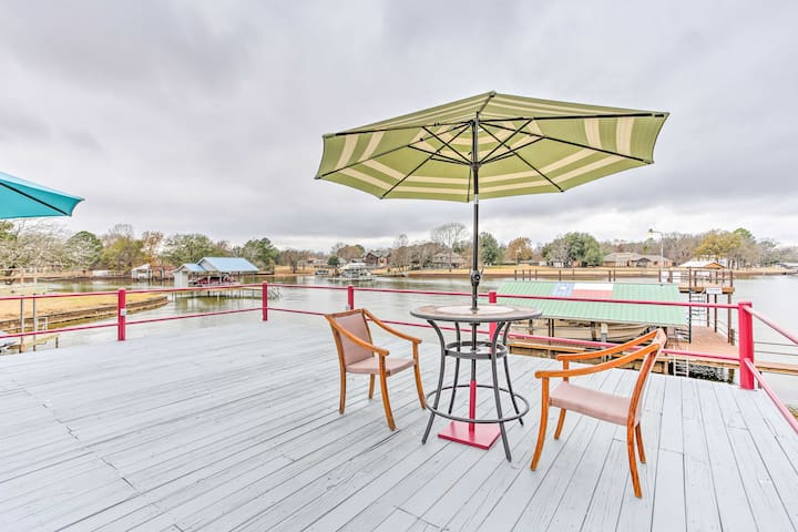 NEW! Lakefront 3BR Trinidad Home w/ Private Dock!
