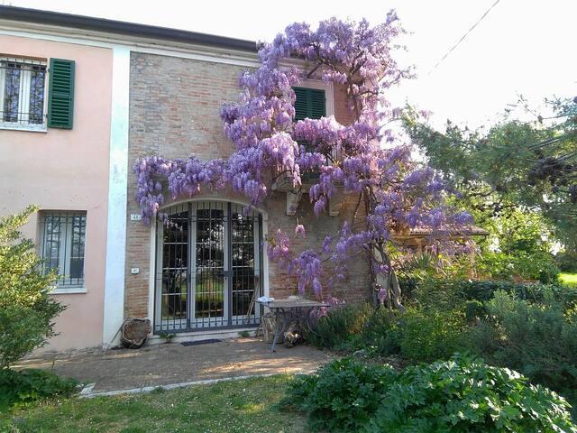 Casa in campagna - sul colle di Rimini