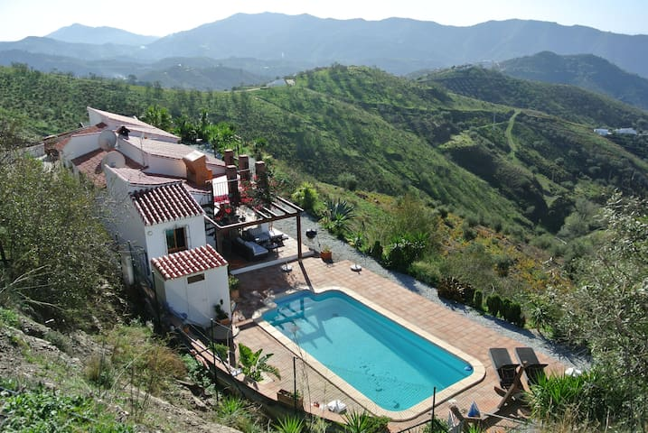 Outstanding villa with private pool (peaceful) x6. - Canillas de Aceituno - Casa de camp