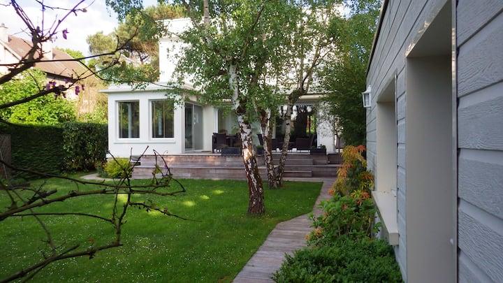 Studio indépendant dans jardin au Vésinet
