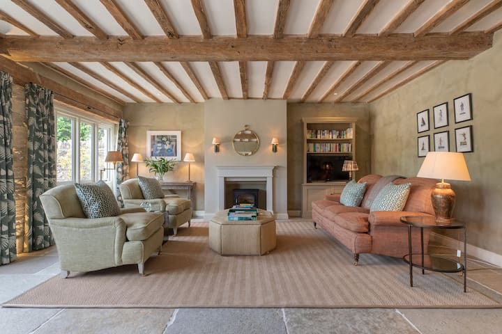 The Granary, boutique barn conversion in Cotswolds