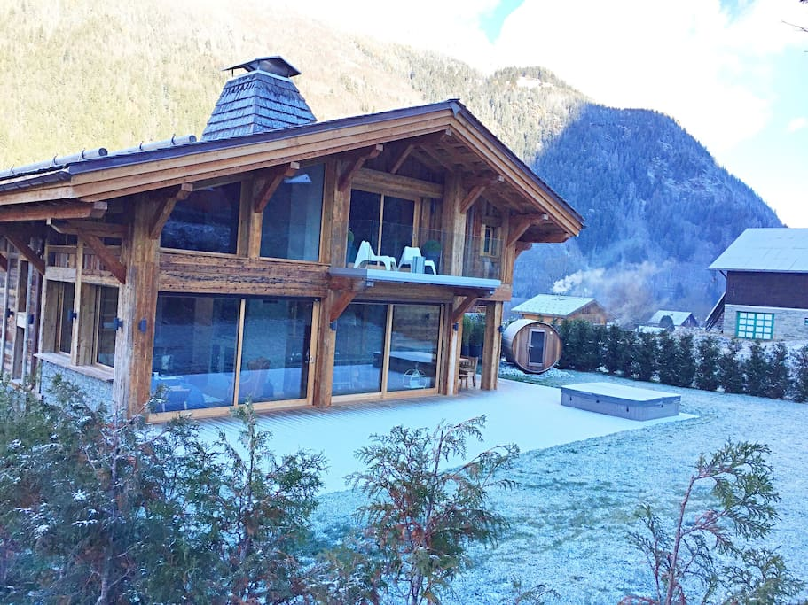 Fabulous new chalet with 360 degree views, sauna and hot tub