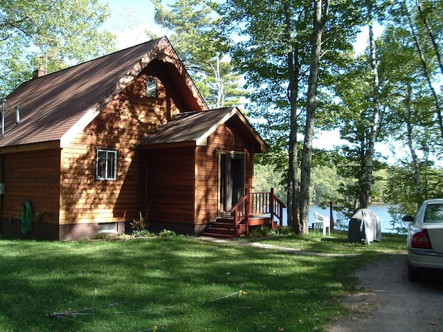 Cabin up cabins for rent in negaunee michigan united for Michigan romantic cabins
