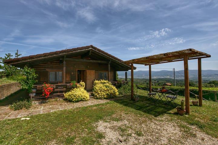 Chalet confortable avec piscine à Graffignano en Italie