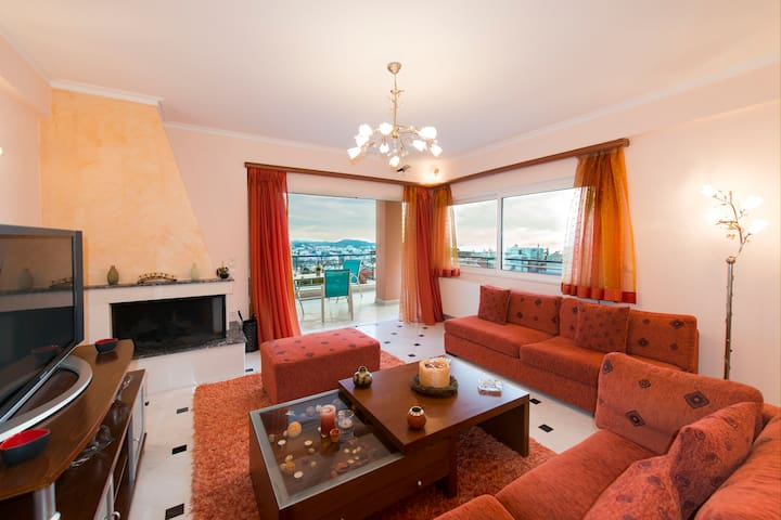 Luxury 2BRM Apt. with Sea views, Sleeps up to 6 - Voula - Appartement
