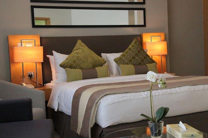 Cheapest hotel-apartment in Tecom!!! - Dubai - Serviceret lejlighed