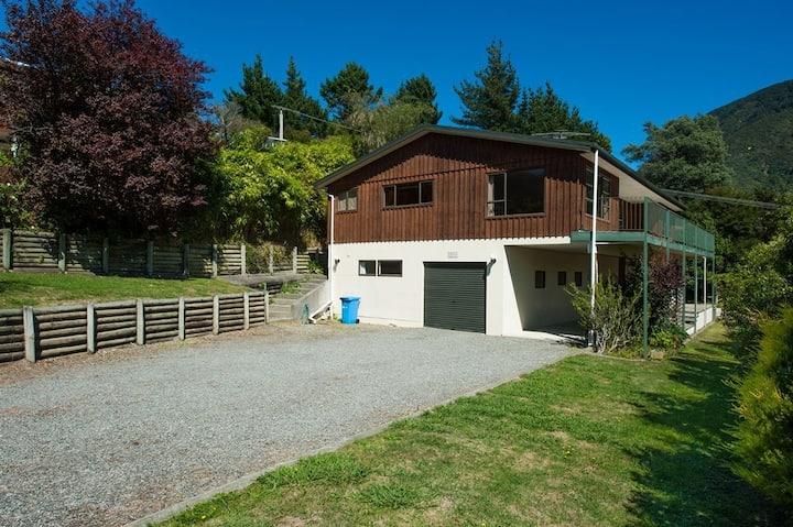 Oak Tree Lodge