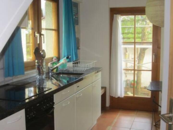 Chez Silvia, (Schönenbuch), Ferienhaus, 70qm, 2 Schlafzimmer, max. 4 Personen