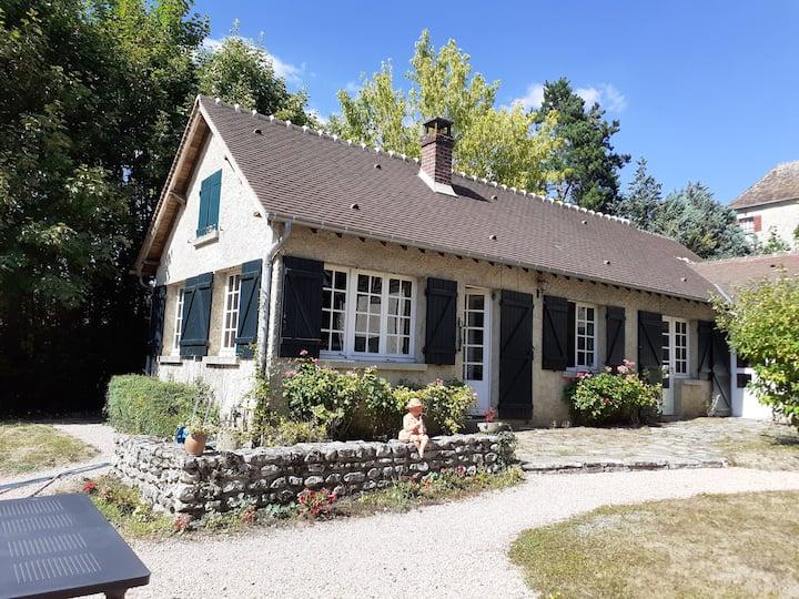 Charmante maison de campagne avec grand jardin