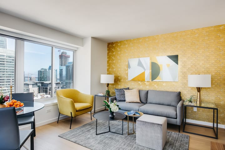 Stunning One Bedroom in Luxury South of Market (SoMa) Building
