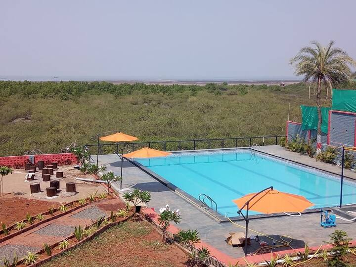 Mangroof resort kelwa