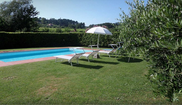 Comfy Villa on the Hills of Lucca