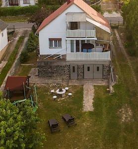 """Home port"" apartment at Lake Balaton (Smart-TV)"