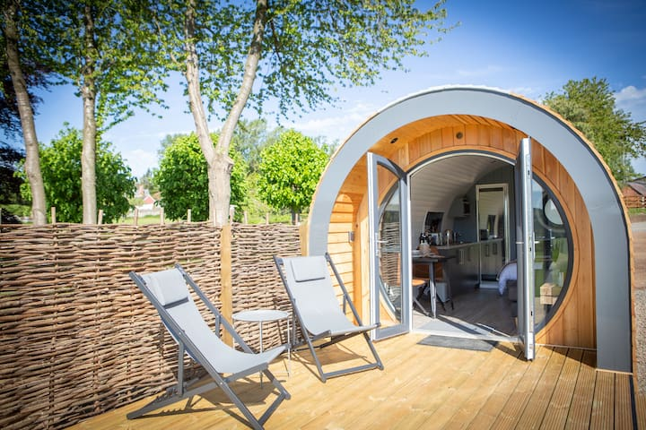 Luxury Glamping Pod with hot tub and views