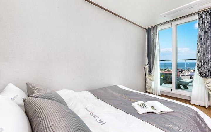 포근한 바다의 풍경이 보이는 308(원룸, 오션뷰) 객실
