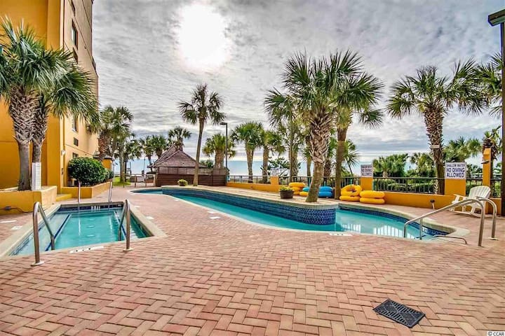 Open Air Arrival - SUCH A GREAT SPACE TO RELAX! Your new HOME AWAY FROM HOME is this great condo right on the ocean. Enjoy the Pools, Hot Tubs, Lazy River & MORE PMa