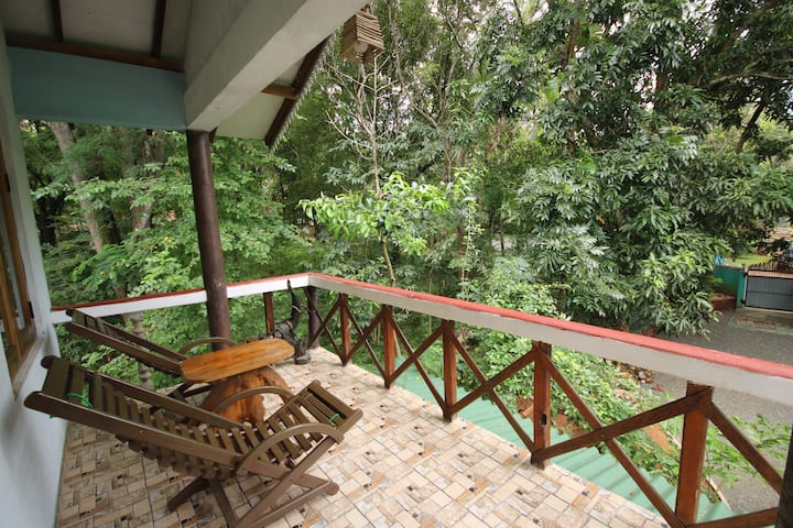 Green Park Safari House (3 AC double room )