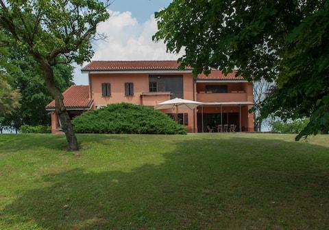 Farmhouse between Langhe e Monferrato