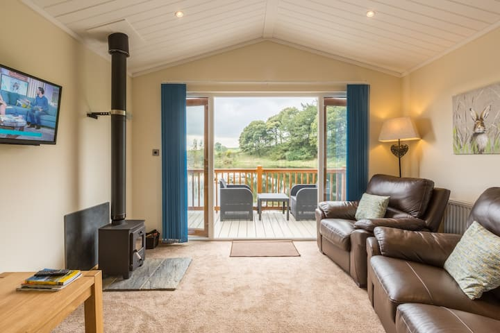 Littlemere Lodges - 'The Meadow' - Pet Friendly