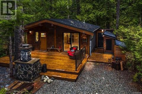 Twin Tree Cabin