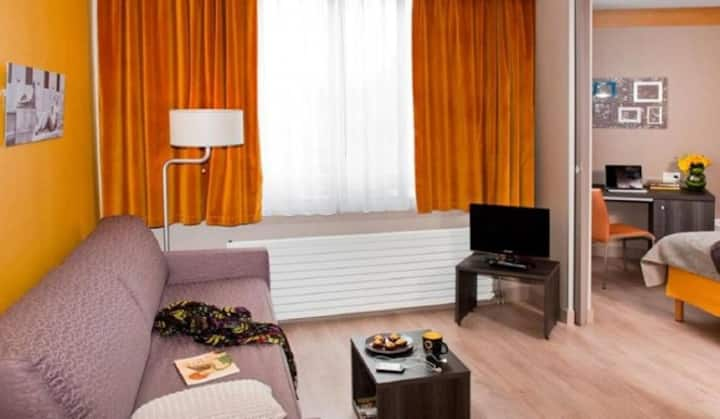 Louis' apartment