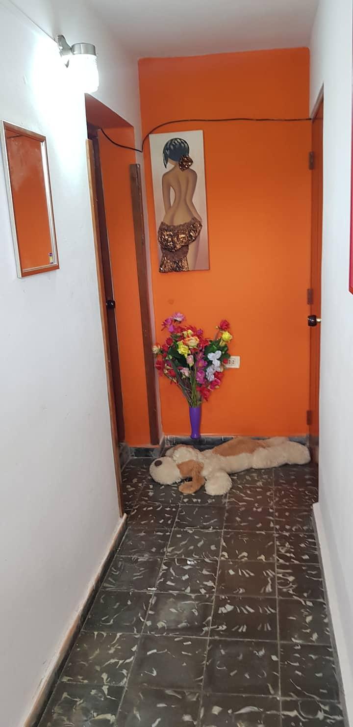 Habitacion equipada2 y baño SANTAMARTA.Zona centro