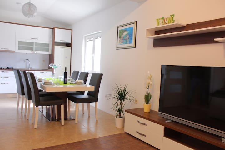 Apartment Hrvoje - Zagvozd - Appartement