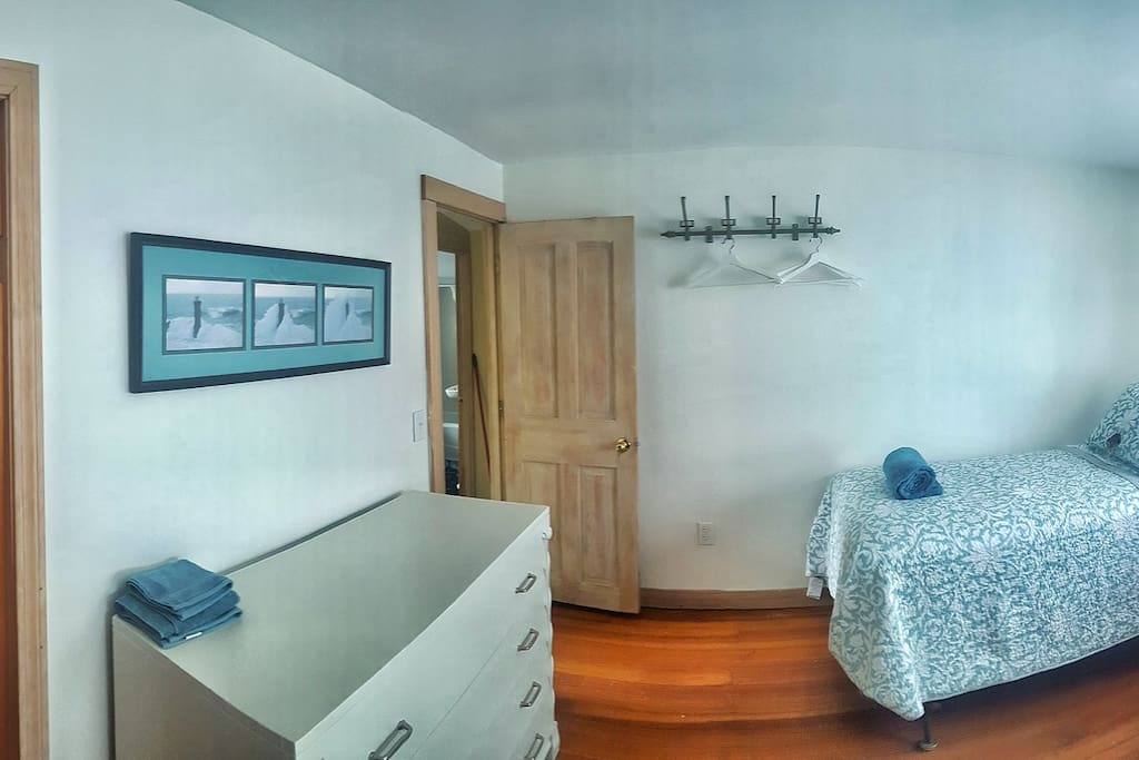 Panoramic of the room.