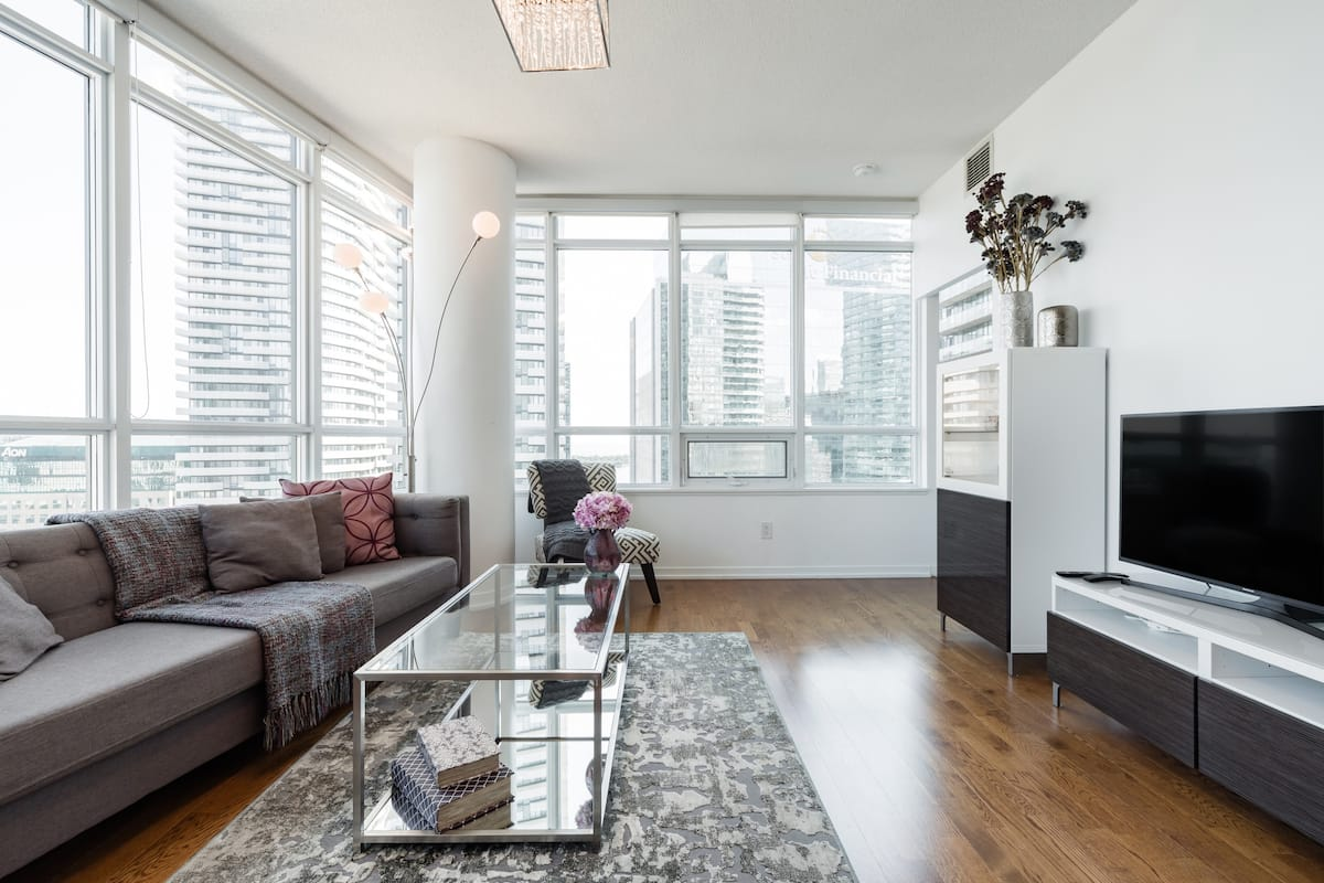 Walk to the CN Tower from a Bright, High-Rise Apartment