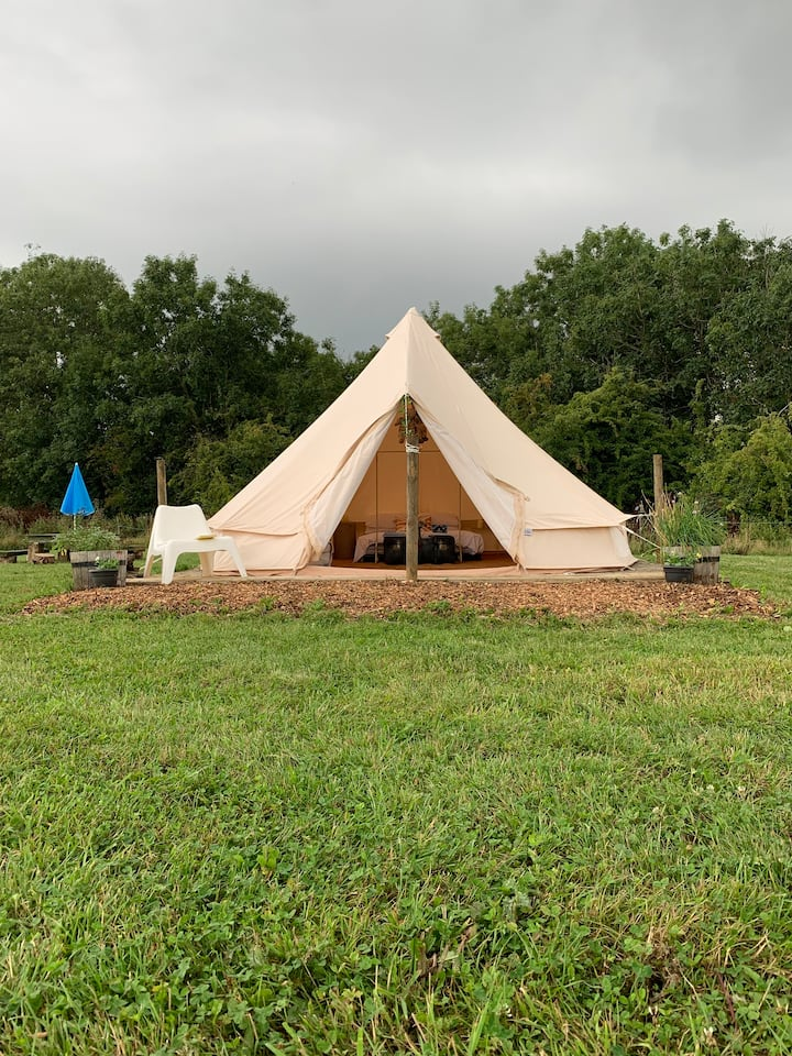 Belltent Glamping. Heating optional!Cotswolds,ox7