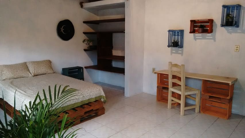 Spacious room at Valle! - Valle de Bravo
