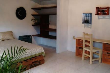Spacious room at Valle! - Valle de Bravo - 公寓