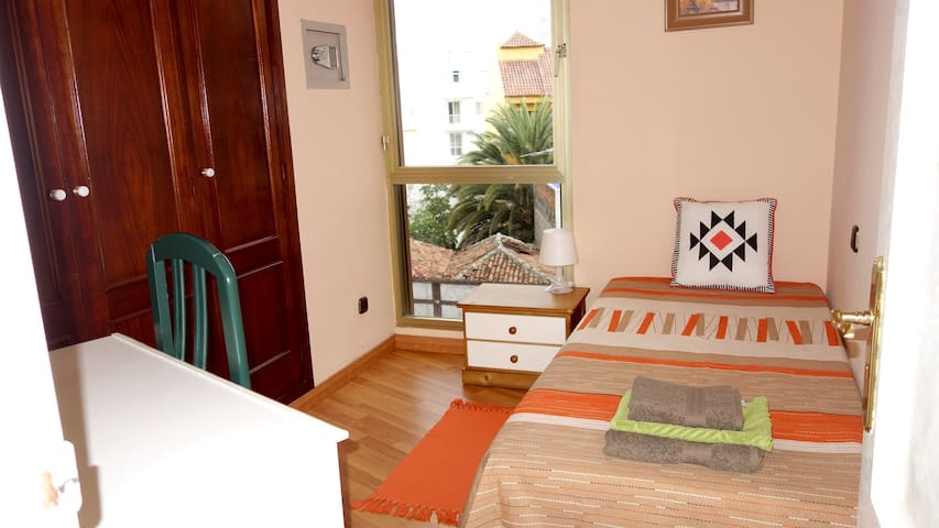 Central quiet solo room - Puerto de la Cruz - Appartement