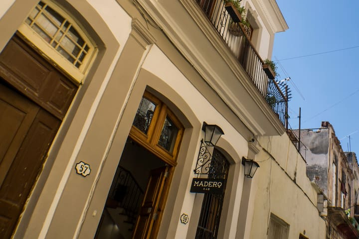 Madero B&B STD Double (101)