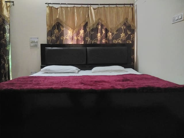 Brij Homes Home Stay and Cafe.