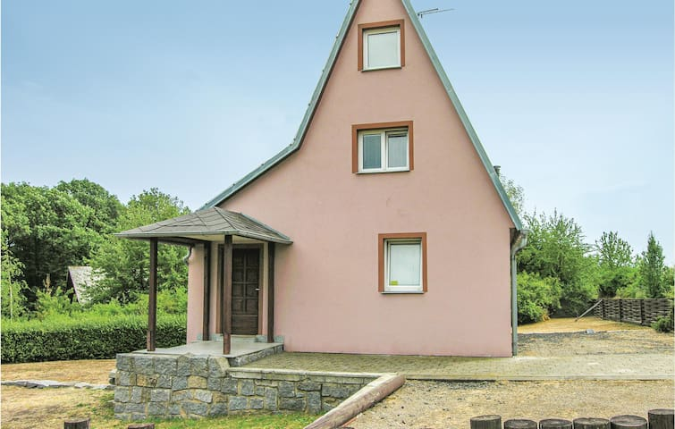 Holiday cottage with 4 bedrooms on 102m² in Kadan
