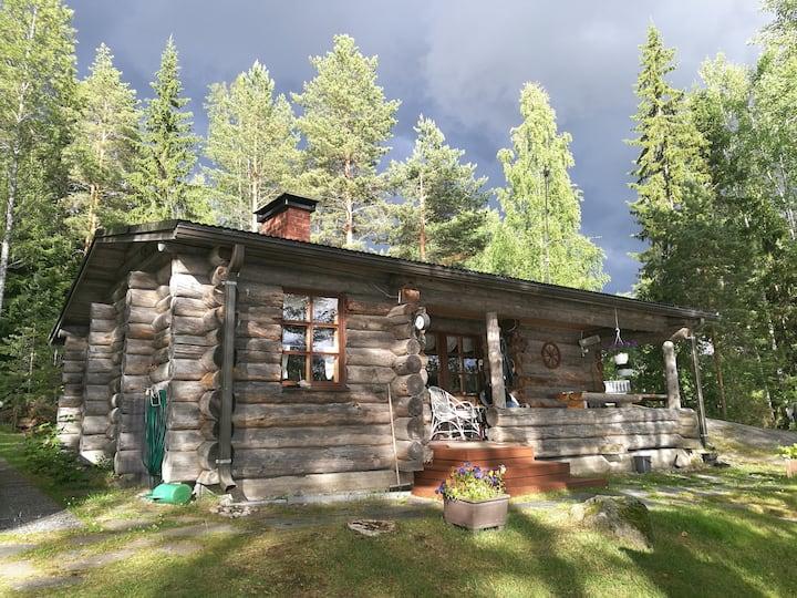 Mökki järvenrannalla - Cottage by the lake