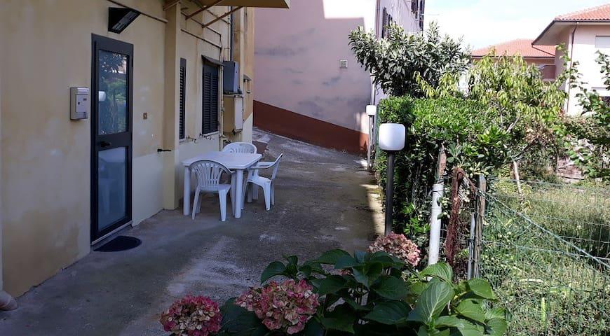 Arredato a Camerano vicino Ancona e Riviera Conero