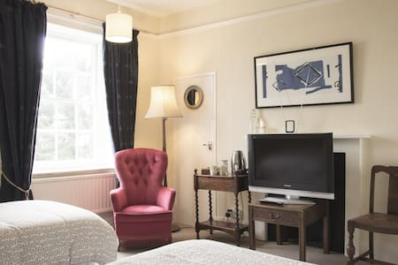 Classic Twin room with garden view - West Berkshire - Bed & Breakfast
