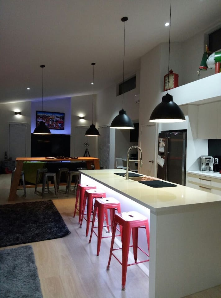 Openplan kitchen and dining room