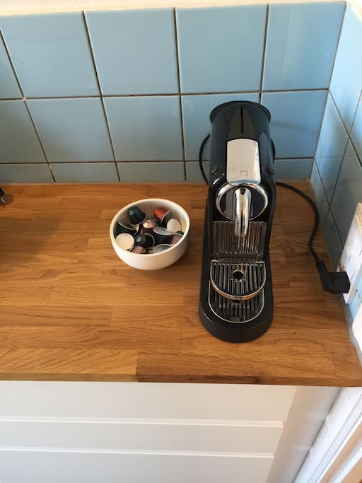 Nespresso machine with complimentary coffee capsules